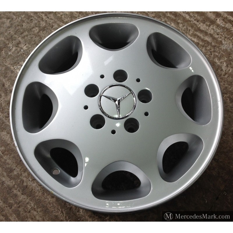 W124 Refurbished Eight Hole Alloy Wheel Without Tyre