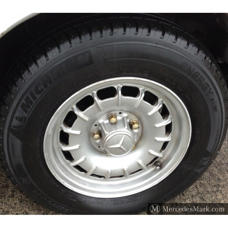 w123-w126-bundit-mexican-hat-alloy-wheel