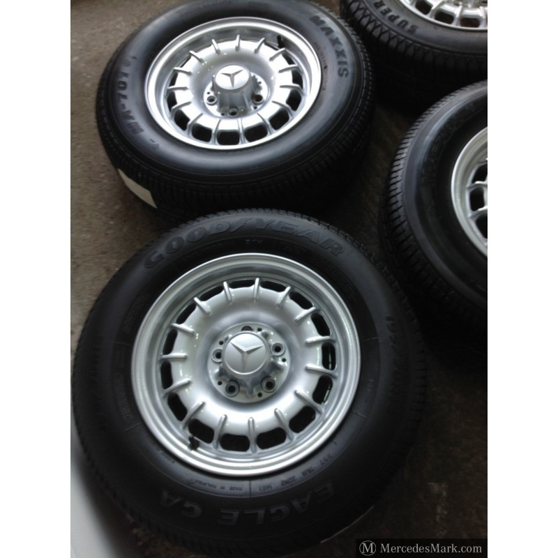 W123 W126 Refurbished Barock Mexican Hat Alloy Wheels With