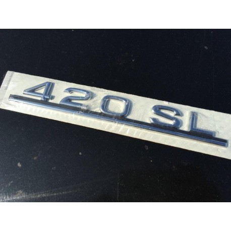 W107 Brand New Last Of Old Stock Boot Emblem Badge SL420