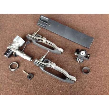 W201 190E full Lock And Ignition Switch set.