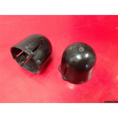 W110 190D Heckflosse Fintail Pair Of Shock Absorber Caps Left And Right
