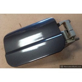 W123 CE Sprung Fuel Filler Door