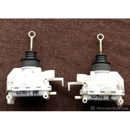 W201 Genuine Mercedes Central Locking Vacuum Servo Front Door Locking